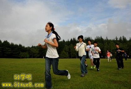 高中学生晨跑
